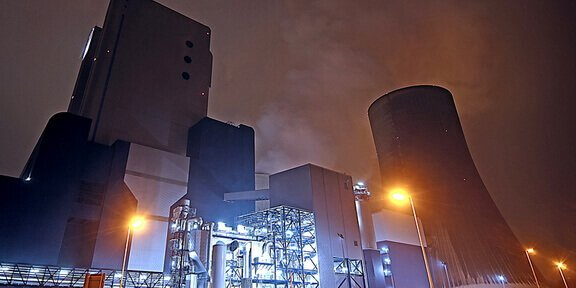The Fukushima Daiichi nuclear power will quickly become a disaster if it loses the power to cool the reactors