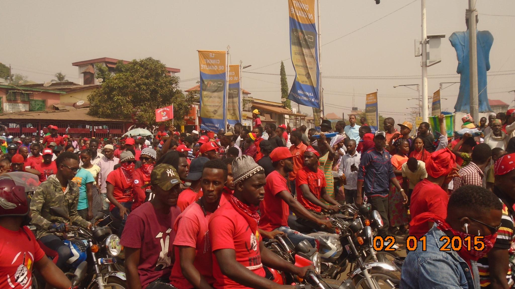 Guinée: le FNDC suspend momentanément les manifestations ( déclaration)